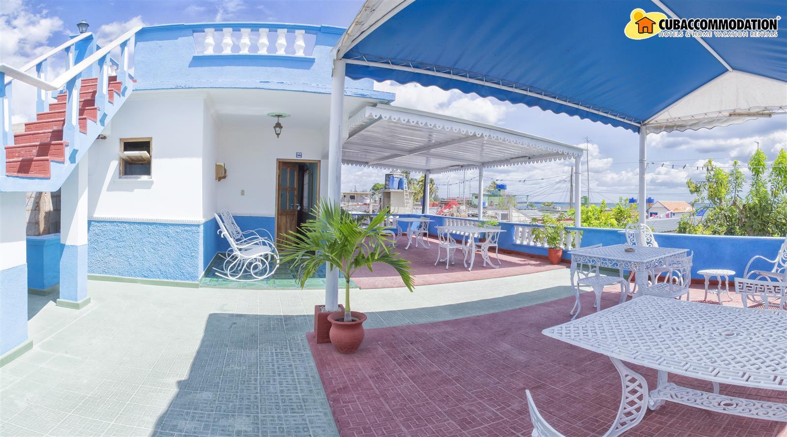 Guesthouses casa costa azul playa larga vacation for Apartamentos playa azul