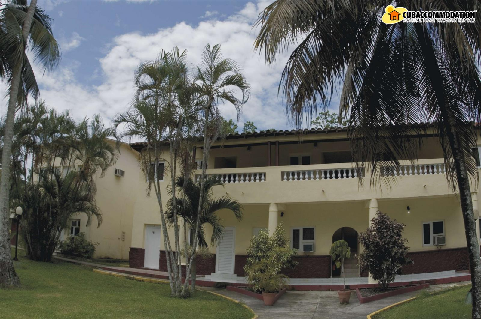Hotels hotel villa san jose del lago sancti spiritus for Hotel villa del lago